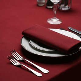 Tablecloth 178 x 366cm Maroon